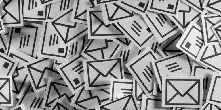 pilha de emails acumulados